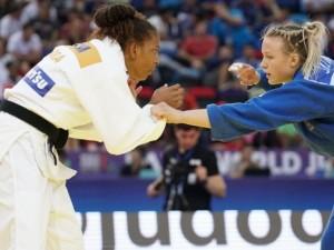 Rafaela Silva para na primeira rodada do Mundial e agora foca em disputa por equipes