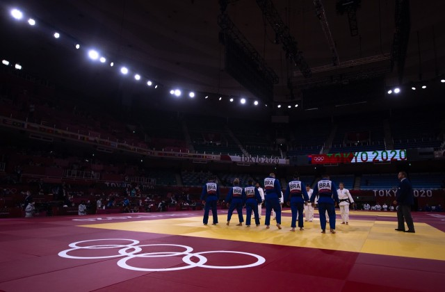 Brasil na disputa por equipes em Tóquio. Foto: Jonne Roriz/COB