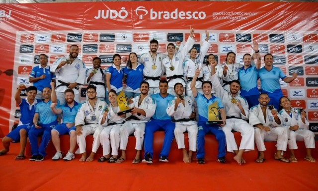 Seleção de Minas Gerais, campeã geral feminino e masculino. Foto: Tati Amaya/MCS