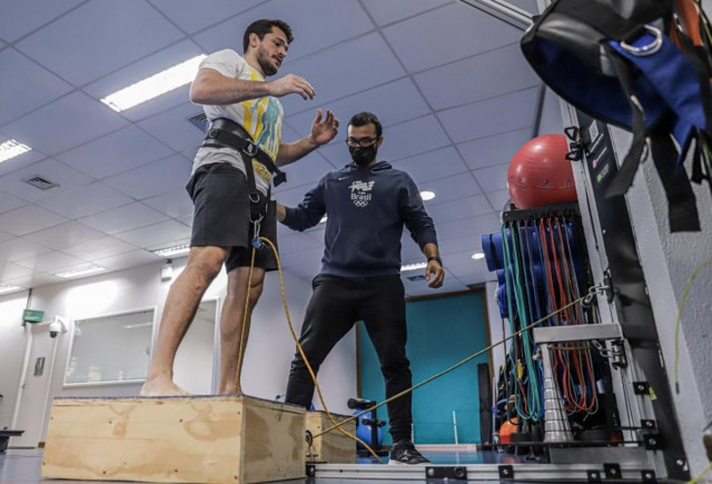 Victor Penalber realiza treinamento no Centro de Treinamento Time Brasil. Foto: Rafael Bello/COB