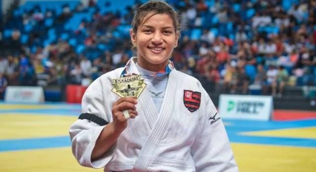 A campeã olímpica Sarah Menezes defende o Flamengo desde 2018 e conquistou o título estadual no início de 2019