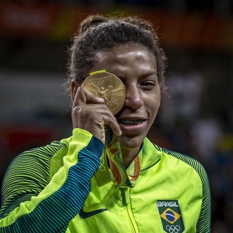 dbe33a85d0 Rafaela Silva é eleita melhor judoca de 2016 e concorre a Melhor ...