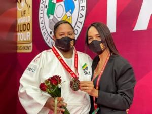 Beatriz Souza é vice-campeã do Grand Slam de Tashkent