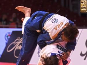 Rafaela Silva tem dia perfeito em Budapeste e conquista segundo ouro consecutivo no Circuito Mundial