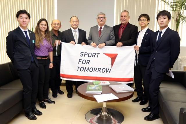 O programa Sport For Tomorrow busca capacitar professores para o ensino do judô em colégios públicos brasileiros. Foto: Francisco Medeiros/ Min. Cidadania