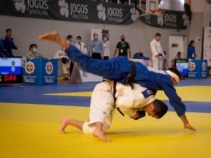 A 300 dias de Tóquio, judô brasileiro volta a competir e fatura 16 medalhas em Coimbra