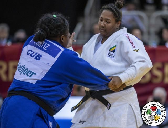 Beatriz Souza (+78kg) no Grand Slam de Dusseldorf, última competição antes da paralisação. Foto: Gabriela Sabau/IJF