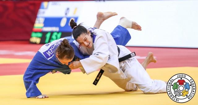 Mayra Aguiar x Alexandra Babintseva. Foto: Marina Mayorova/IJF