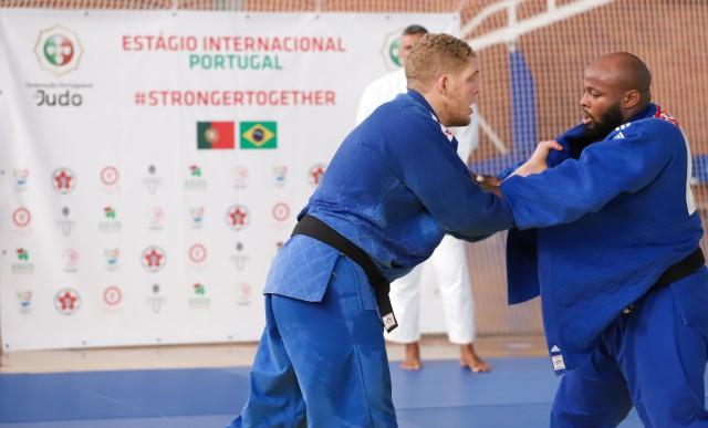 Rafael Buzacarini treina com o português Jorge Fonseca, atual campeão mundial, em Coimbra. Foto: Alexandre Castello Branco/COB