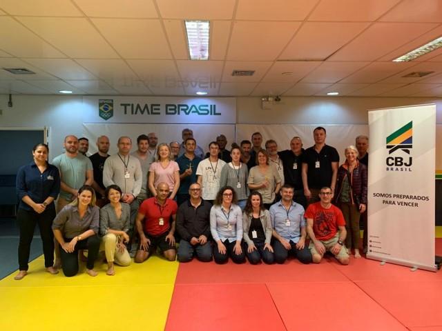 Os treinadores franceses farão estágio de ne-waza, no Rio. Foto:Divulgação/CBJ