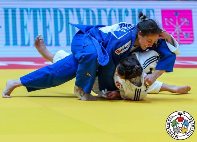 Maria Portela (70kg) foi campeã do World Masters de 2017 ao derrotar Barbara Matic (CRO) na final