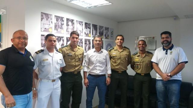 Autoridades militares e da CBJ que participaram da reunião. Foto: Gabrielle Ferreira/CBJ