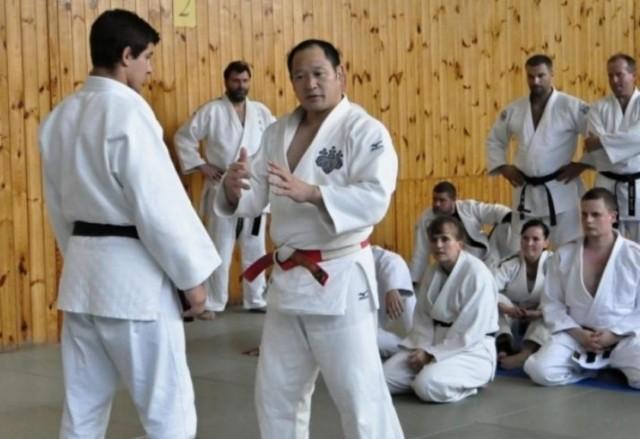 Okada irá ministrar, no evento, aulas práticas sobre fundamentos do judô, como Nage-waza e Katame-waza. Foto: Divulgação/EJU