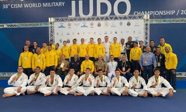 Brasil domina Mundial Militar Por Equipes e conquista ouro no ... ccfefc464369b