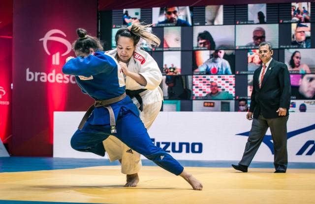 Duda Diniz (70kg) marcou o quarto ponto do Paineiras na luta pelo bronze. Foto: Davi Victor/Navve/CBJ
