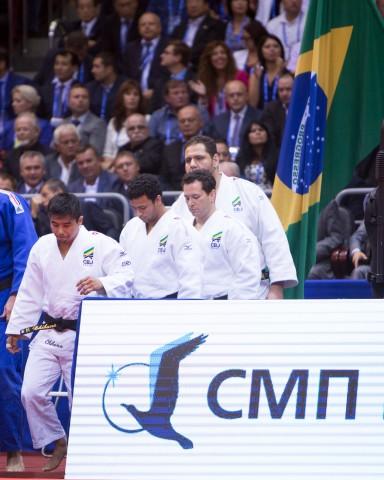 24aec50e137 O Brasil terminou a participação no Mundial Por Equipes com o quinto no  lugar no masculino depois de ser derrotado pela Geórgia por três a dois na  disputa ...